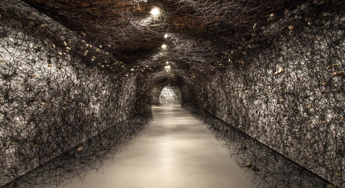 "The exhibition ""In the Beginning was..."" at the Fundació Sorigué presented large installations created exclusively by the prestigious Japanese artist Chiharu Shiota."